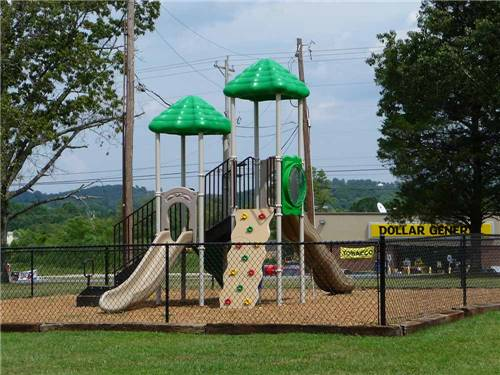 CHATTANOOGA HOLIDAY TRAVEL PARK at CHATTANOOGA, TN
