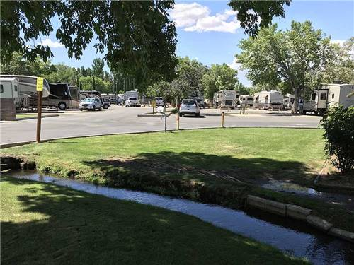 HIGHLANDS RV PARK at BISHOP, CA