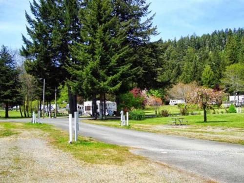 REDWOOD MEADOWS RV RESORT at CRESCENT CITY, CA