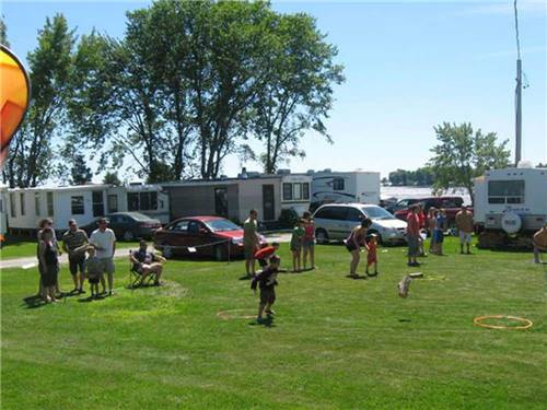 GLENROCK COTTAGES & TRAILER PARK at STURGEON FALLS, ON