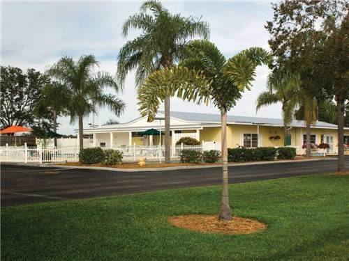 PLEASANT LAKE RV RESORT at BRADENTON, FL
