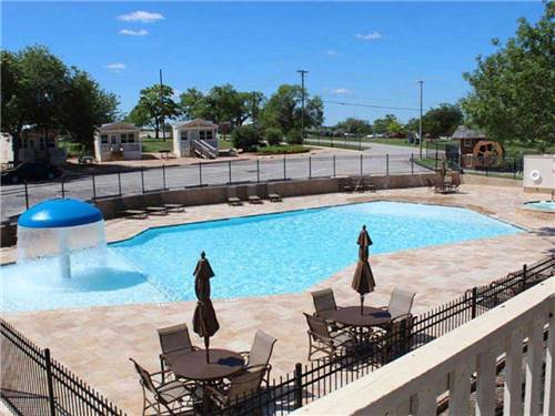 HILL COUNTRY COTTAGE AND RV RESORT at NEW BRAUNFELS, TX