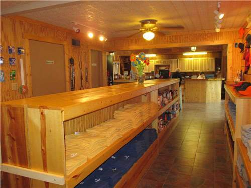 WESTWARD HO RV RESORT & CAMPGROUND at FOND DU LAC, WI