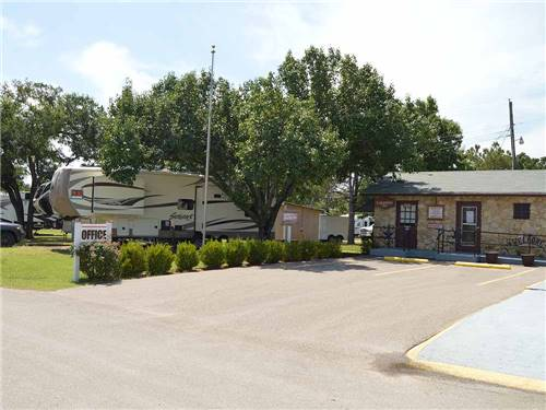 LAKEVIEW RV & MH COMMUNITY at FORT WORTH, TX