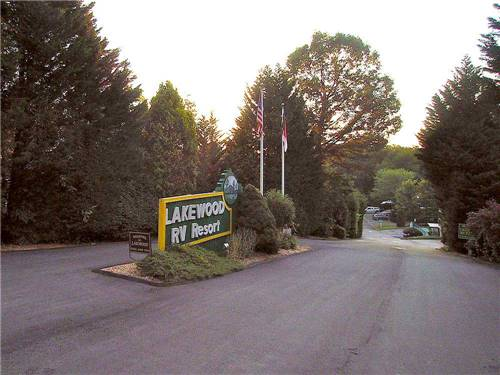 LAKEWOOD RV RESORT at HENDERSONVILLE, NC