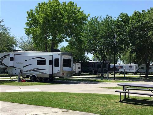 HOUSTON EAST RV RESORT at BAYTOWN, TX
