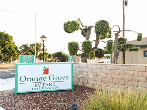ORANGE GROVE RV PARK at BAKERSFIELD, CA