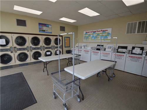 TRADERS VILLAGE RV PARK at HOUSTON, TX