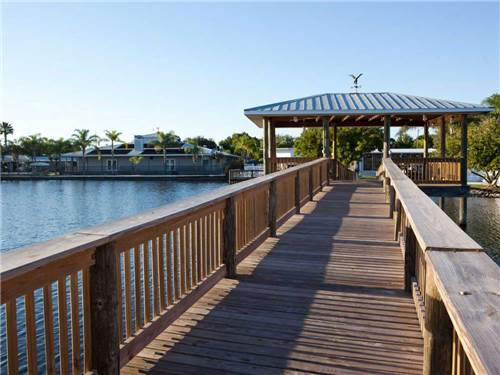 NORTH LAKE ESTATES RV RESORT at MOORE HAVEN, FL