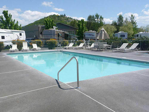 PEAR TREE RV PARK RESORT at MEDFORD, OR