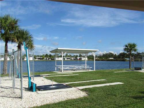 SIESTA BAY RV RESORT at FORT MYERS, FL