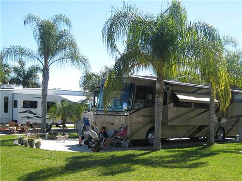 SILVER LAKES RV RESORT & GOLF CLUB at NAPLES, FL