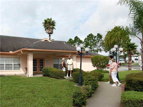 GROVE RIDGE CAREFREE RV RESORT at DADE CITY, FL
