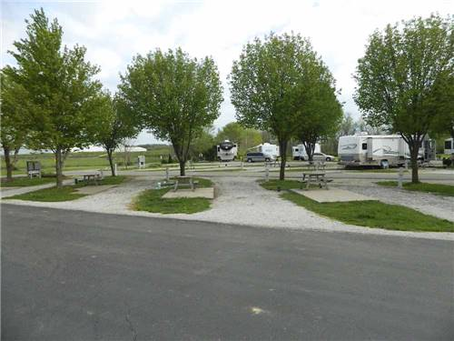 COTTONWOODS RV PARK at COLUMBIA, MO