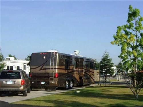 A COUNTRY RV PARK at BAKERSFIELD, CA