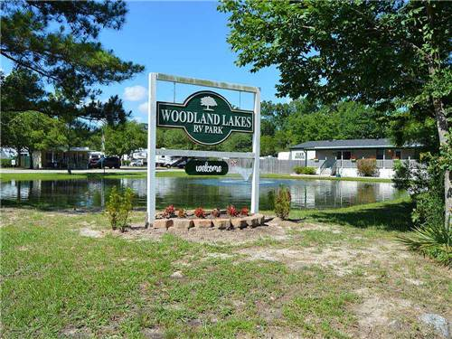WOODLAND LAKES RV PARK at THE WOODLANDS, TX