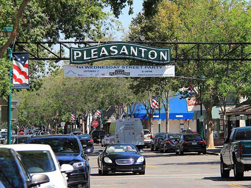 Great shopping and dining on Main Street in Pleasanton