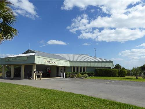 Heated pool and sun deck picnic area