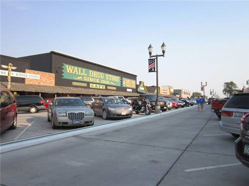 Visit Wall Drug & Badlands Nat'l Park