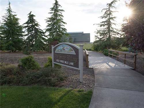 Easy walk to the Evergreen Museum Campus, IMAX Theater and the Wings & Waves Waterpark