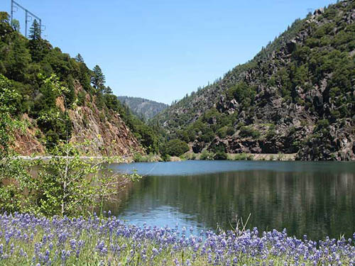 Sightsee along the Feather River Canyon
